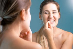 5 Signs of Gum Disease